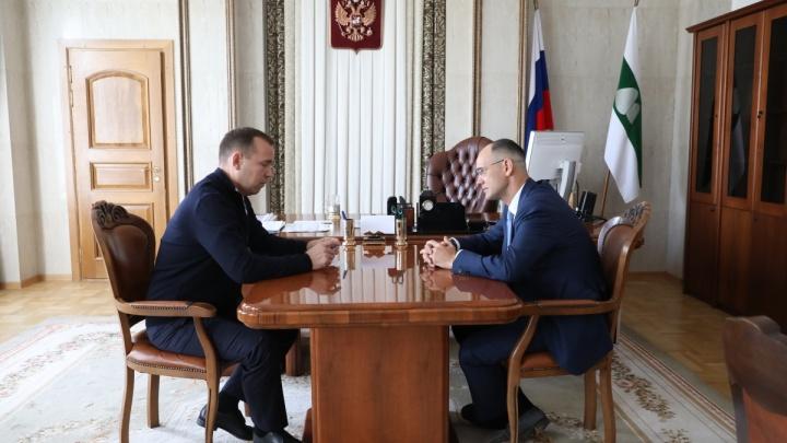 «В одиночку задачу не решить»: Шумков попросил у замминистра просвещения помощи в строительстве школ