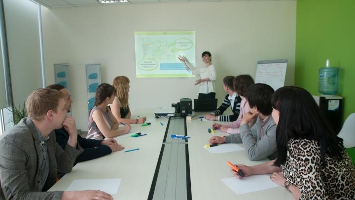 Большинство уральцев живут скромно: в Свердловскстате посчитали, как менялись доходы за пять лет