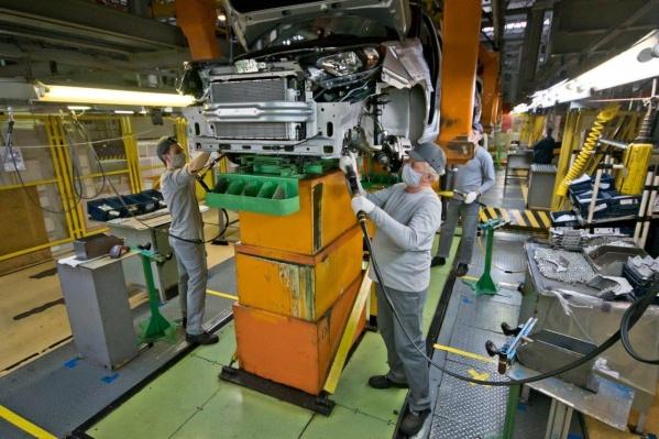 Сборку машин продолжат с соблюдением требований безопасности