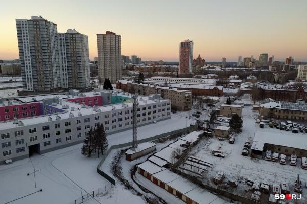 Школу в «Арсенале» откроют после того, как город арендует ее за 1 рубль в месяц