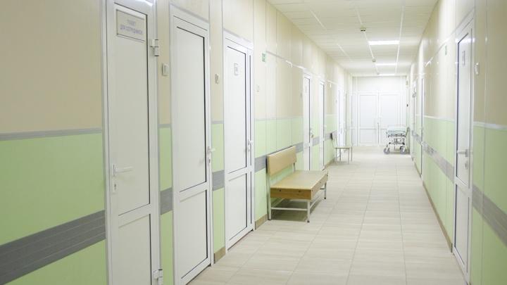 Реанимацию челябинской больницы решили перепрофилировать под больных с коронавирусом
