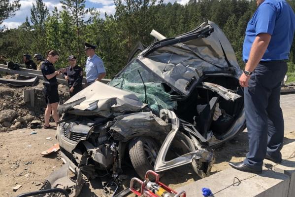 Под удар самосвала попали четыре легковушки и грузовик