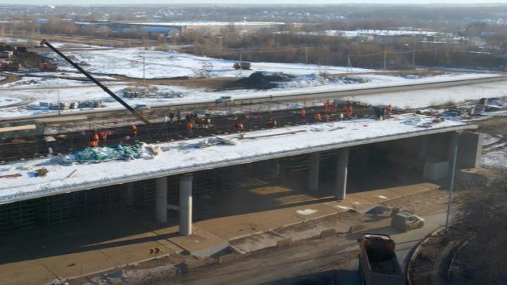 Строители развязок Самарского (Фрунзенского) моста забетонировали часть эстакады на «Стошке»