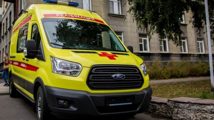 В Новосибирской области мужчина погиб под колёсами буксируемого грузовика