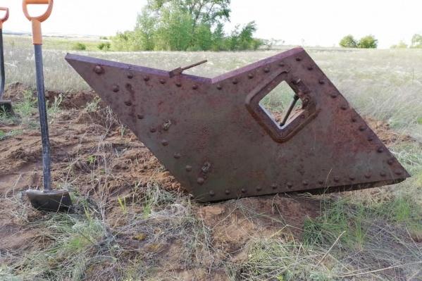 По версии волгоградцев, танк «погиб» после удара немецкой авиации