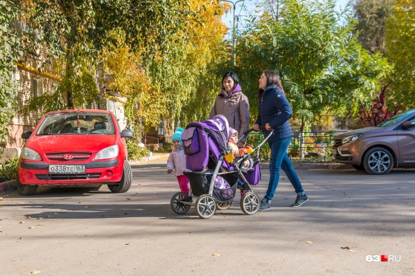 Молодые мамочки любят делиться друг с другом своим мнением относительно воспитания детей
