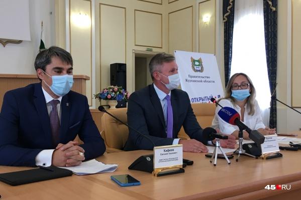 Депутаты также направили свои предложения по внесению изменений в Жилищный кодекс в части обеспечения людей газовыми баллонами
