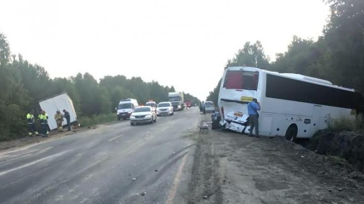 Автобус Тюмень — Крым попал в ДТП в Курганской области