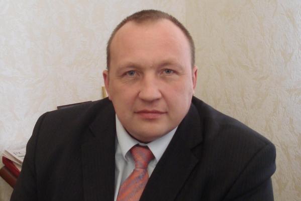 Тело бывшего главы Минздрава Юрия Ерофеева было найдено вчера в Черлакском районе. Сначала предполагалось, что он погиб из-за перевернувшегося снегохода, но теперь появились новые данные