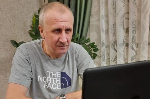 До Виктора Ермишкина на удаленный режим работы из-за контакта с заболевшим переходил губернатор Вадим Шумков