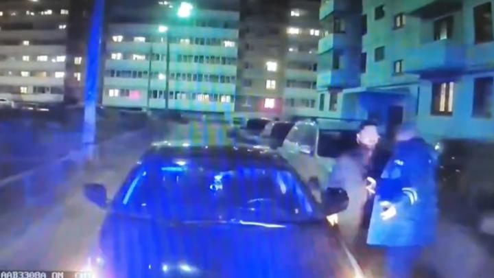 Заблокировал скорую с ребёнку: суд вынес приговор ярославцу, устроившему дикую выходку во дворе