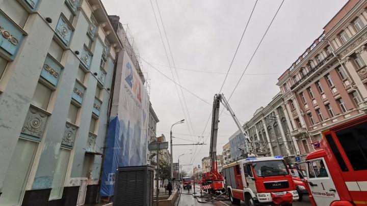 Эвакуированным из-за пожара в доме Сариевых разрешили вернуться в квартиры, где пока нет тепла