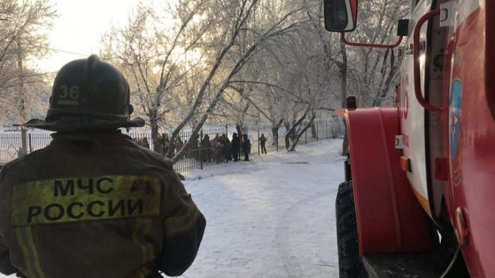 Из детсада под Челябинском эвакуировали больше сотни малышей