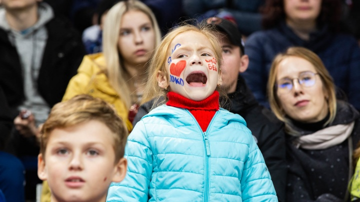 «Мы устали это терпеть!»: болельщики «Локомотива» требуют отставки президента хоккейного клуба