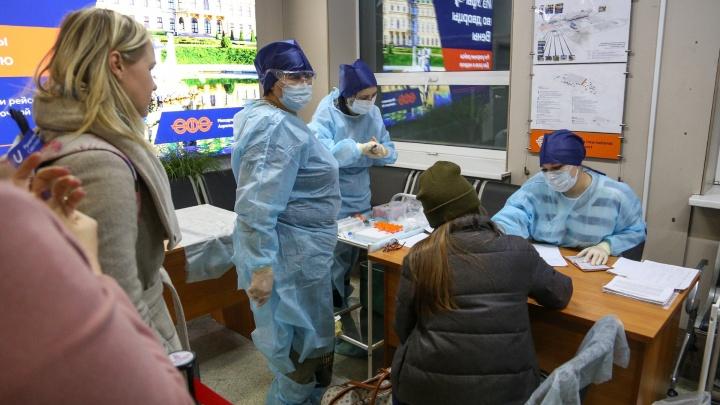 Медсестра из Уфы, которая берет в аэропорту пробы на коронавирус: «Постоянно обрабатываем себя антисептиком»