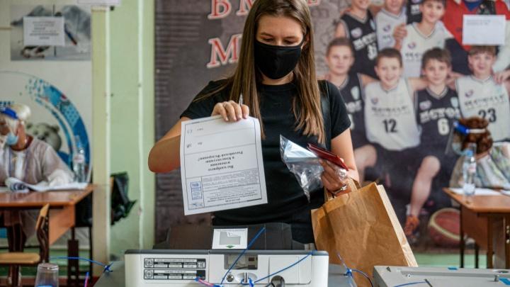 «Дня четыре метался туда-сюда»: о чем переживают новосибирцы, пришедшие сегодня на избирательные участки