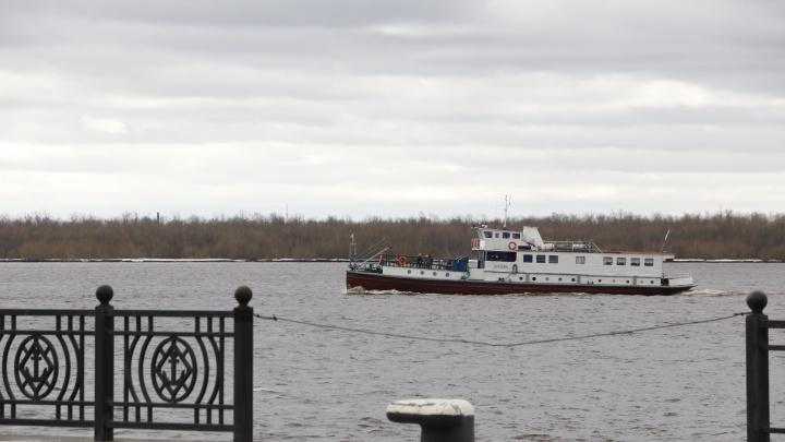 В Архангельске приостановили движение речных теплоходов
