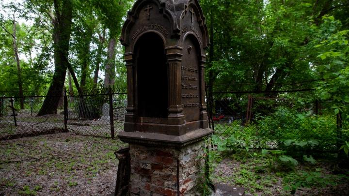 «Очнитесь, зачем гулять по усопшим». Резкие мнения тюменцев о судьбе Текутьевского кладбища