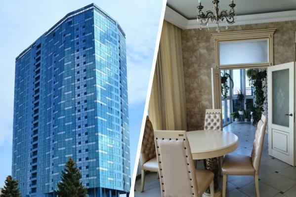 Одно из достоинств продающейся квартиры, как подчёркивают авторы объявления, — отличный вид на центр Новосибирска