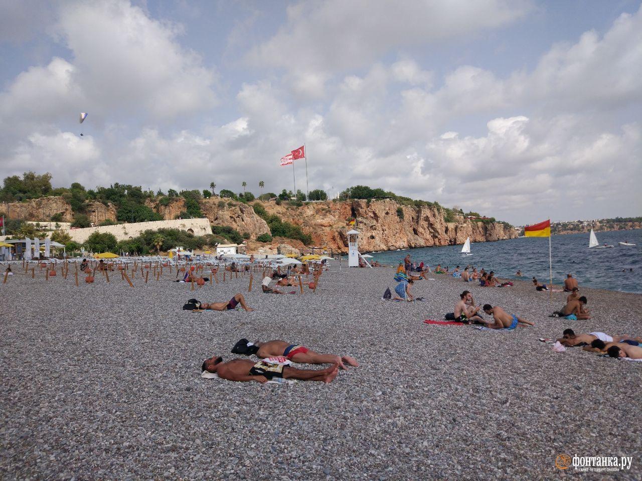 В сравнении с сентябрём 2019-го на пляжах относительно свободно