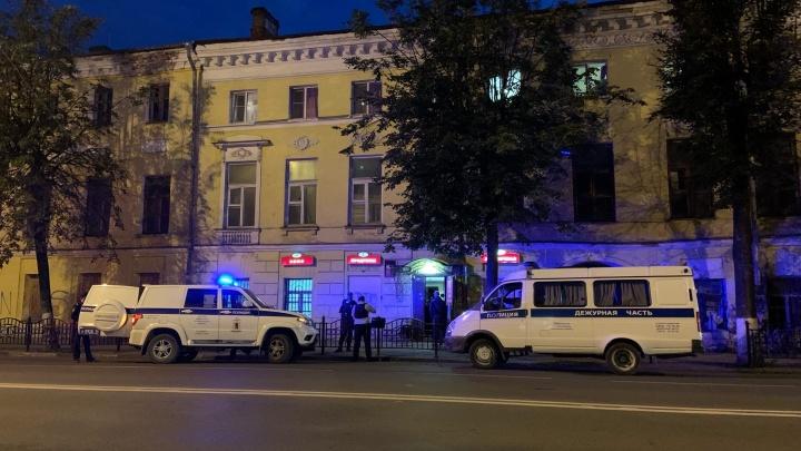 «Напал на продавца с ножом»: в центре Ярославля ограбили продуктовый магазин