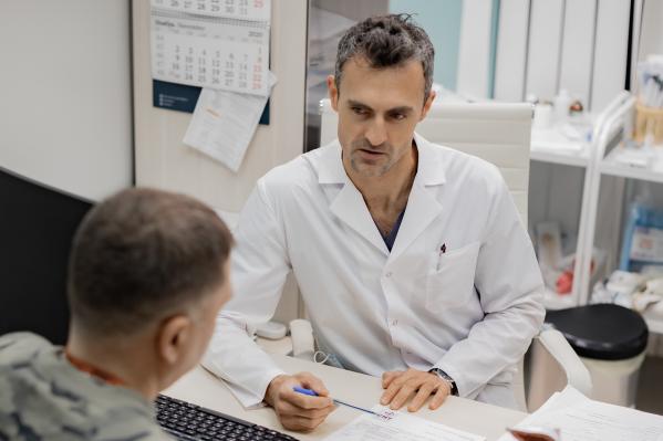 Опытные врачи клиники на страже мужского здоровья
