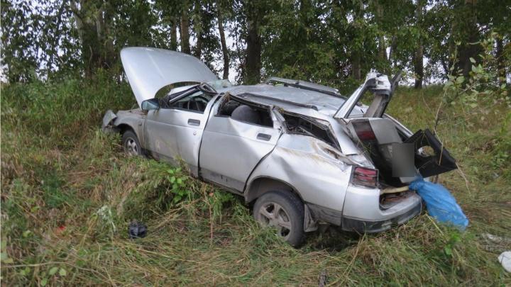 На трассе Новосибирск — Кемерово перевернулась легковушка, трое пострадали