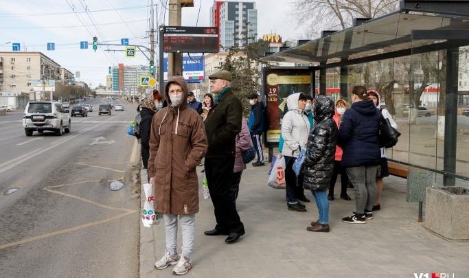 В Кузьмичи — каждые полчаса, а мы потерпим: пригород Волгограда остался без автобуса