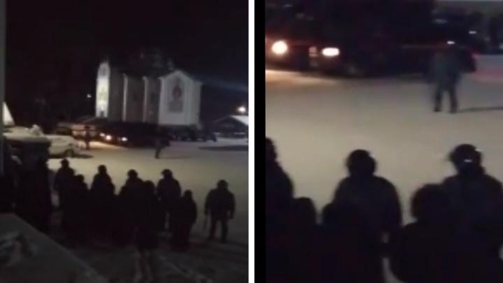 В Среднеуральском монастыре начался штурм: видео