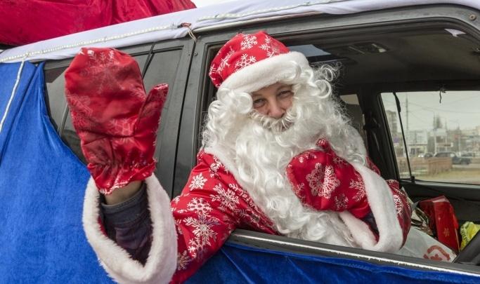 На улицы Волгограда вновь выехал Дед Мороз на сказочных санях