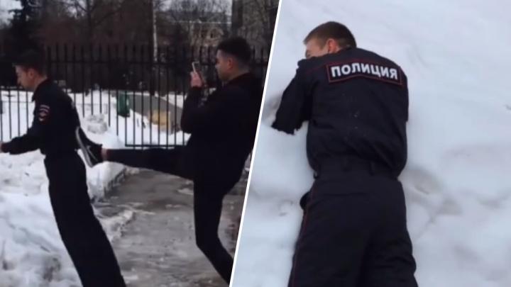 Нижегородский пранкер снял ролик, в котором бьют «полицейского». В МВД им уже заинтересовались