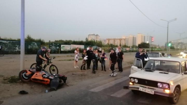 В столкновении Yamaha и «шестёрки» в Челябинске пострадал мотоциклист