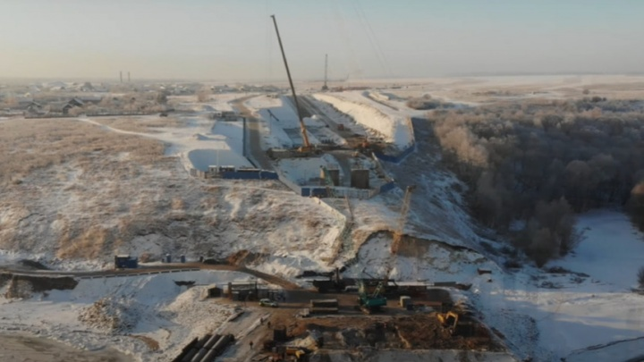 Видео: что происходит на стройплощадке моста у Климовки после гибели рабочих