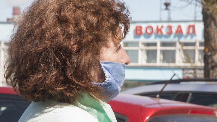 В автобусы, которые ездят в Северодвинск, перестанут пускать без масок и перчаток