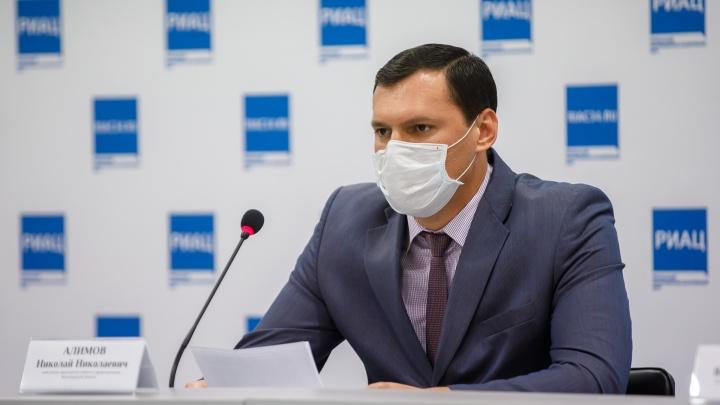 «Они работают в режиме нон-стоп»: в Волгограде замглавы облздрава пообещал томографы поликлиникам
