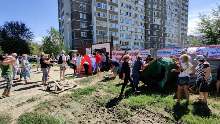В Волгограде дольщики начали голодовку