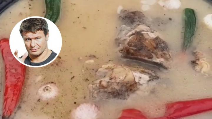 «Беру передние ноги и хвост»: Олег Тактаров поделился рецептом «чудодейственного» супа
