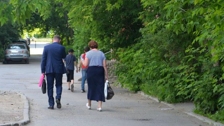 Румянцев ушел из суда под оскорбления горожан: онлайн