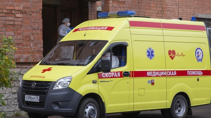 Куда звонить, если человека госпитализировали с коронавирусом: телефоны всех COVID-больниц