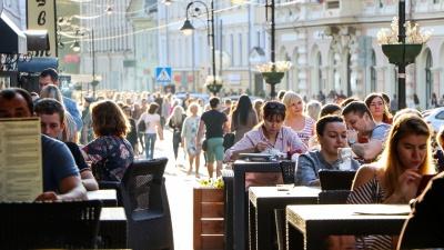 Нижегородские власти разрешили уменьшить расстояние между посетителями в кафе и ресторанах