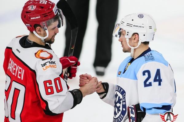«Автомобилист» и «Сибирь» — наиболее вероятные соперники по первому раунду плей-офф