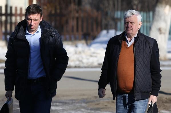 У Андрея Косилова на этом процессе два адвоката. На этом фото с ним Николай Шиманович (слева)