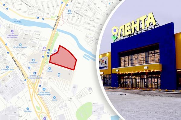 За три года цена недостроенного торгового комплекса упала в четыре раза