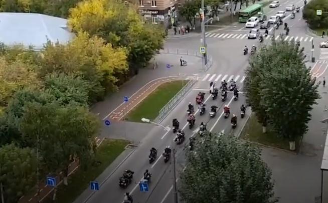 По Тюмени проехали десятки байкеров. Что происходит?