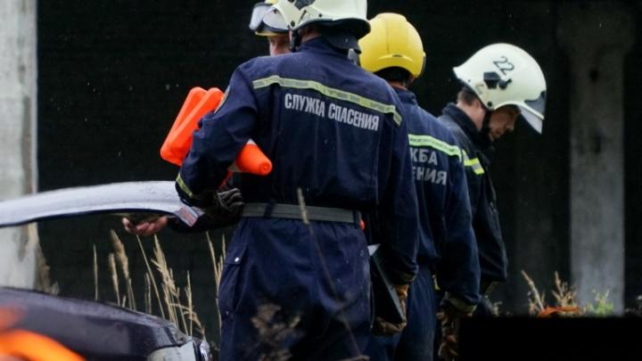 Прикамских спасателей привлекли к помощи зараженным коронавирусом. Но без СИЗов и доплат