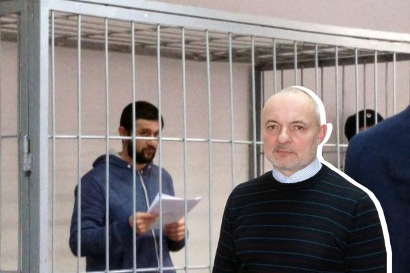 Сергей Кандаков (справа) сменил Реналя Мязитова на посту руководителя Самарского областного фонда жилья и ипотеки