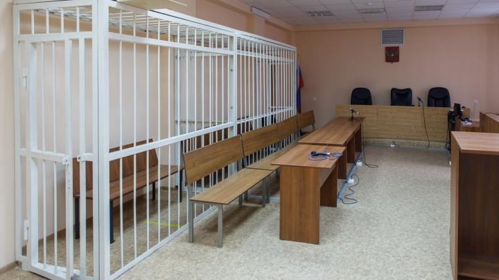 «Стою голый и в наручниках»: в Урюпинске задержали насильника слепой пенсионерки