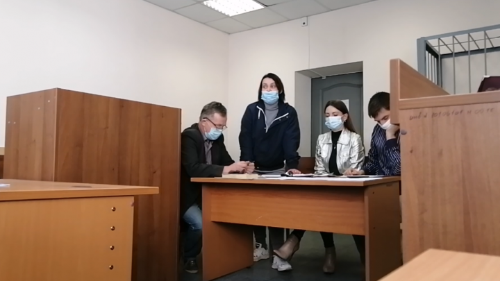 В Екатеринбурге суд впервые оправдал участницу пикета в поддержку Хабаровска