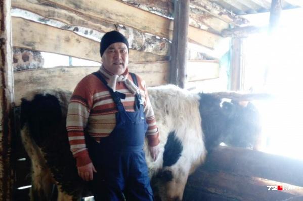 Фермер раньше возил мясо на Михайловский и Центральный рынки Тюмени и там сбывал, но теперь трудности возникли с боем животных