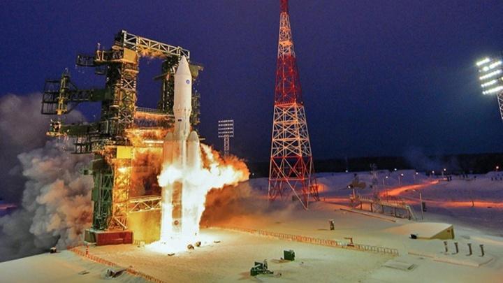 Дмитрий Рогозин проводил омскую ракету в космос словами: «Она летает, черт возьми!!!»
